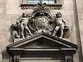 004 Edifici de Correus, c. Fusteria, escut de la ciutat.JPG