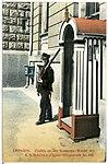 02201-Dresden-1901-Posten der Kasernen-Wache-Brück & Sohn Kunstverlag.jpg