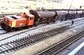 110R29281083 Bereich Wirtschaftsuniversität, Franz Josefs Bahnhof, Gleisbauarbeiten, einschottern, Lok 2062.jpg