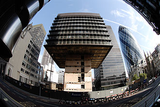 122 Leadenhall Street - The 1969 building undergoing demolition in 2007