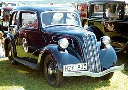 1938 Ford 7W Ten Junior De Luxe Saloon HZY903.jpg