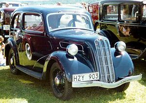 Ford 7W - Image: 1938 Ford 7W Ten Junior De Luxe Saloon HZY903