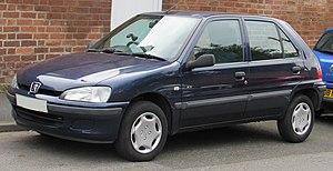 Peugeot 106 - Image: 2001 Peugeot 106 XN Zest 2 1.1 Front