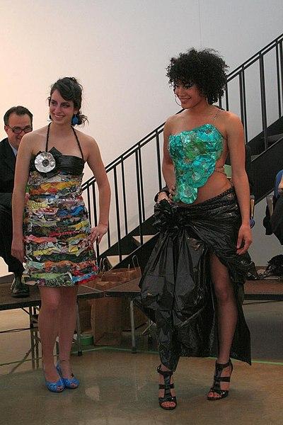 File:2009 UMM Fashion Trashion show.jpg
