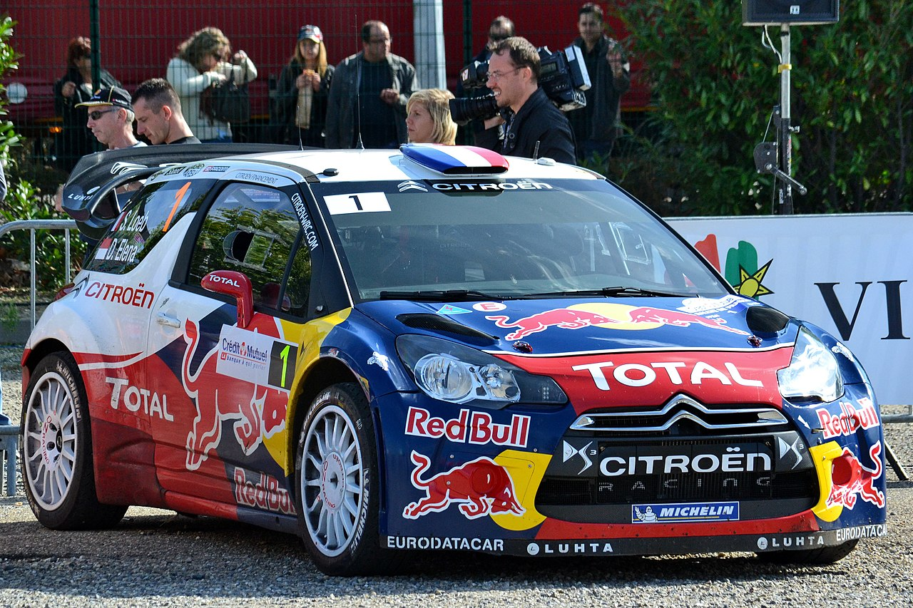 file 2012 10 05 rallye france parc assistance colmar voiture de s bastien loeb jpg wikimedia. Black Bedroom Furniture Sets. Home Design Ideas