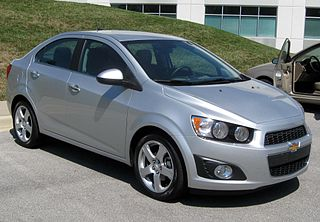 http://upload.wikimedia.org/wikipedia/commons/thumb/a/af/2012_Chevrolet_Sonic_LTZ_sedan_front_--_04-16-2012.JPG/320px-2012_Chevrolet_Sonic_LTZ_sedan_front_--_04-16-2012.JPG