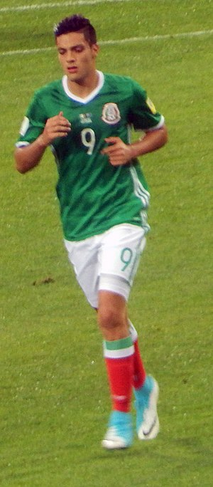 Raúl Jiménez - Jiménez playing at 2017 FIFA Confederations Cup