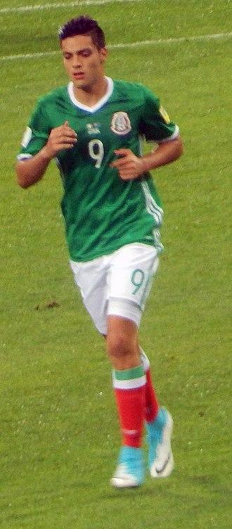 Raúl Jiménez - Jiménez playing at 2017 FIFA Confederations Cup