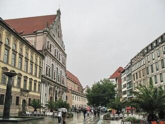 Neuhauser Straße - Neuhauser Straße with St. Michael's and the Monastery church of St. John the Baptist and St. John the Evangelist of the Augustinian Hermits