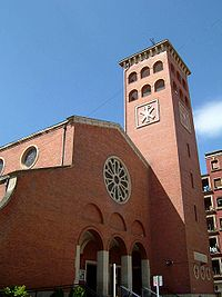 Portada y campanario de la Iglesia de San Nicolás (1945).