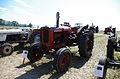 3ème Salon des tracteurs anciens - Moulin de Chiblins - 18082013 - Tracteur Nufield - 1965 - gauche.jpg