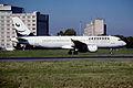 316cq - Armenian International Airways Airbus A320, EK-32001@CDG,6.9.2004 - Flickr - Aero Icarus.jpg