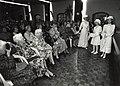 75-jarig bestaan van de Ned.Ver. van Huisvrouwen (NVVH). Authentieke modeshow uit de jaren 1900-1930.JPG