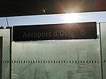 Aéroport d'Orly Plaque signalétique 2019.jpg
