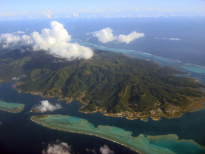 File:A view from the AR 72 airplane (Over Society Islands - French Polynesia).jpg
