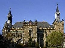 Šiaurės Reinas-Vestfalija-Apskritims nepriklausantys miestai-Aachen rathaus entzerrt