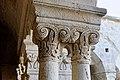 Abbaye Notre-Dame de Sénanque chapiteau du cloître 04.jpg