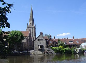 Abingdon-on-Thames - St Helen's parish church from across the Thames