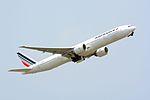 Air France, Boeing 777-300ER, F-GZNG - NRT.jpg