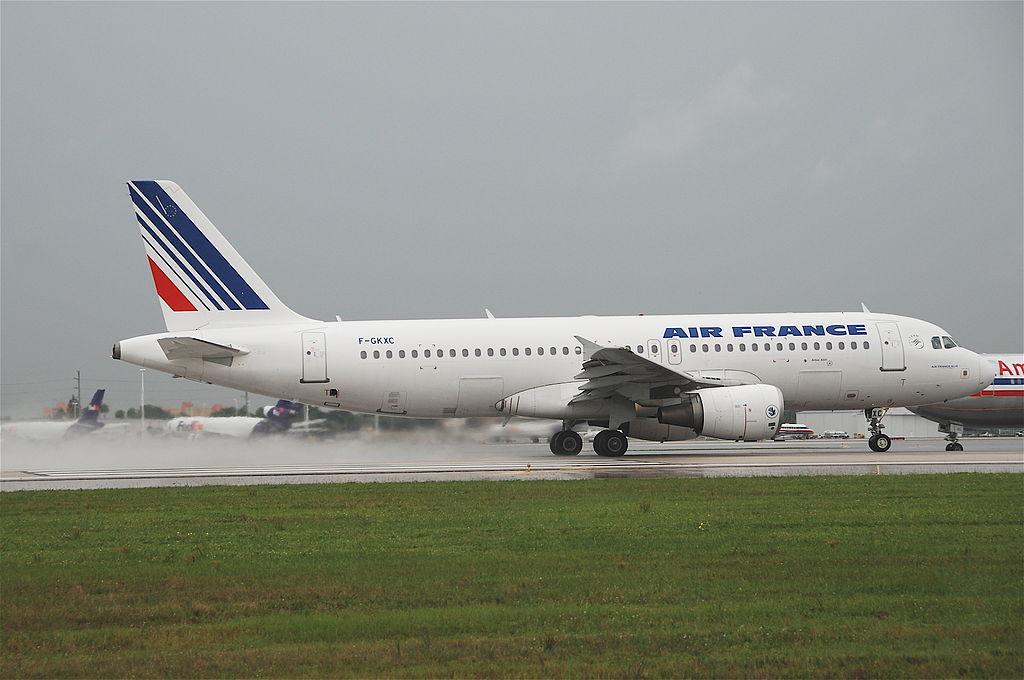 File air france airbus a320 214 f gkxc mia for Airbus a320 air france interieur