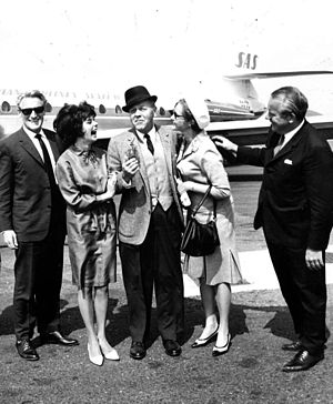 Åke Lindman - Åke Lindman (left) with Pirkko Mannola, Palmer Thompson, Mrs. Laihanen and Veikko Laihanen in 1964, when Thompson arrived to Finland to shoot Make Like a Thief.