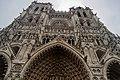 Amiens - Place Notre-Dame - View on West Front of La Cathédrale Notre-Dame d'Amiens 1220-88 II.jpg