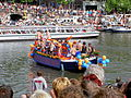 Amsterdam Gay Pride 2004, Canal parade -003.JPG