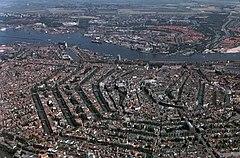 Vista aérea de Amsterdão em seus muitos canais