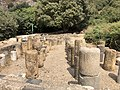 Ancient roman columns in Cesarea Philippi.jpg