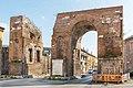 Arco di Adriano dell'antica Capua.jpg