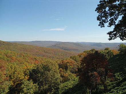 Artist's Point, located along the Boston Mountains Scenic Loop in Crawford County, Arkansas Artist's Point, AR.JPG