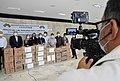 Associação de intercâmbio chinesa doa 10 mil máscaras ao GDF (49809290173).jpg
