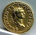 Aureo di vespasiano per domiziano, 77-78 dc., roma 02.jpg