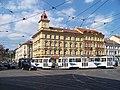Bělehradská 14, Otakarova 1, tramvaj.jpg