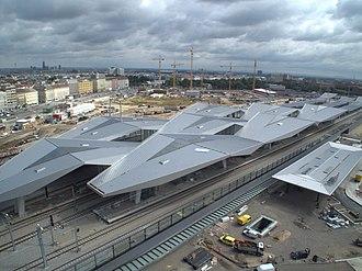 Wien Hauptbahnhof - Image: Bahnorama 2012 002