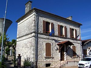 Beauziac - The town hall in Beauziac