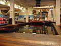 Becken in der Bootsabteilung im Globetrotter Berlin.JPG