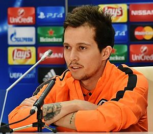 Bernard (footballer) - Bernard at a press conference in 2015