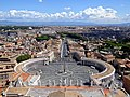 Blick von der Kuppel des Petersdoms über Rom.jpg