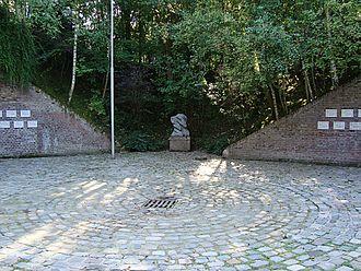 Bondues - Monument to the shot