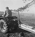 Bosbewerking, arbeiders, boomstammen, landbouwmachines, werktuigen, sleepwerkzaa, Bestanddeelnr 253-4009.jpg