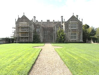 """Bradfield House - Bradfield House, east front. In the centre is the mediaeval great hall; the projecting gables are from circa 1600, left the drawing room, right the """"Spanish Room"""". The smaller projections in the angles of the corners are left: the original entrance porch, right: the """"Oriel Room"""""""
