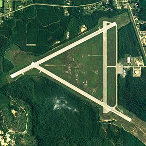 Brewton Municipal Airport - NAIP aerial image, 30 June 2006