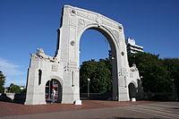 Bridge of Remembrance, Christchurch.jpg