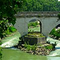 Bridge over the Tiber, Rome - panoramio.jpg
