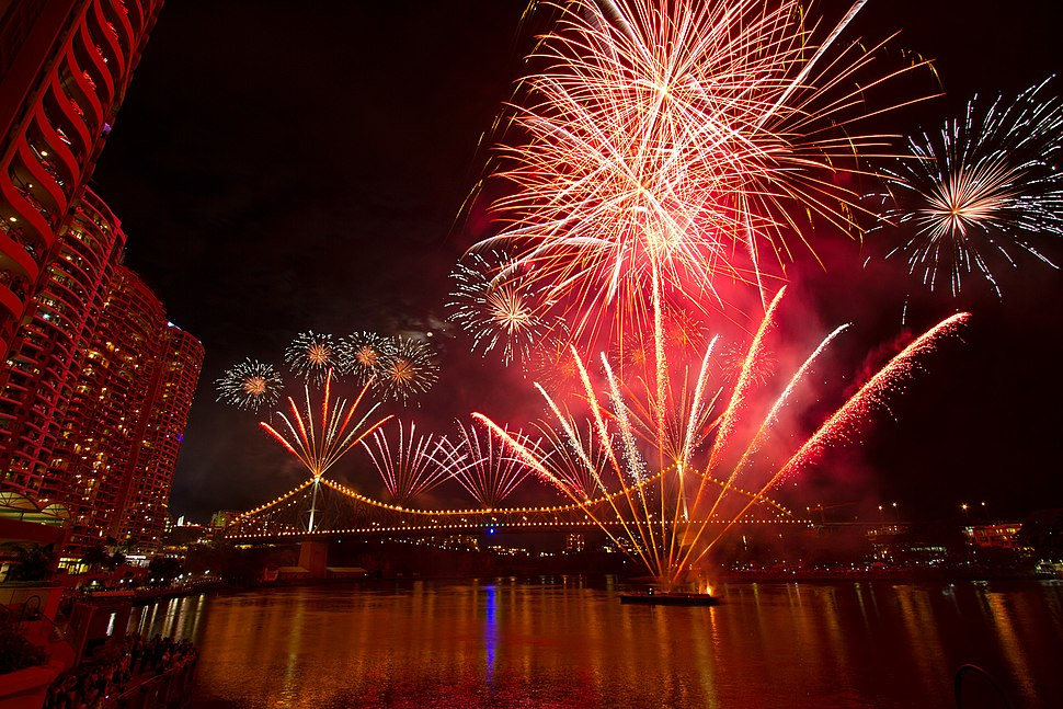 Brisbane Riverfire 2012 Festival fireworks on Story Bridge (IMG7323)