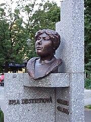 pomník Emy Destinnové