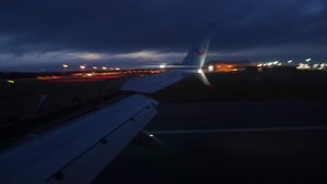 File:Bumpy landing at Gatwick.webm