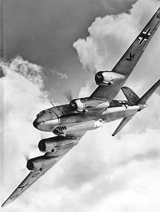 Focke-Wulf Fw 200 Condor - Image: Bundesarchiv Bild 146 1978 043 02, Focke Wulf Fw 200 C Condor