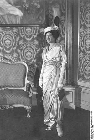 Leopoldine Konstantin - Image: Bundesarchiv Bild 183 2008 0128 503, Leopoldine Konstantin